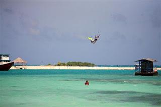 Desde Maldivas por Marc Piwko. Capítulo 2